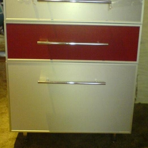 Продается кухонный гарнитур 2м.